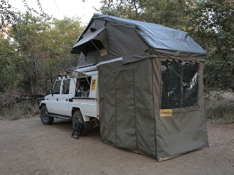 & Eezi Awn XKLUSIV T-Top 1800 Roof Top Tent
